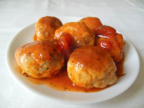 фрикадельки из куриного фарша в томатном соусе