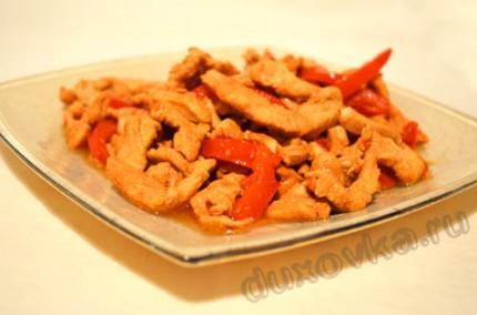 Фото:Куриная грудка с болгарским перцем