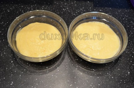Фото: Шаг 5: Разложить яблочный мусс по креманкам и убрать в холодильник для застывания